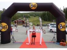 Målgångsbild Jennifer Asp, vinnare damklassen BUFF Fjällmaraton Bydalsfjällen 2019