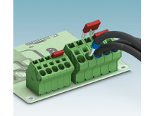 Angled PCB terminal block for power electronics