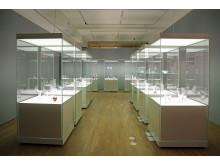 """Blick in die Ausstellung """"Finnisches Design - Glas und Silber"""" von Tapio Wirkkala"""""""