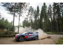 Hyundai behåller ledningen i WRC.