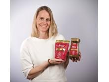 Brand manager Nina Henschien med Friele Instant Gull