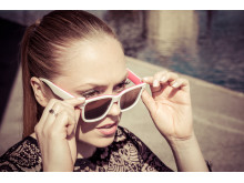 Sunglasses with electronic tint - Model: Intense in Fuschia/Bone