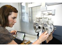 Undersøgelse af optometrist hos Memira