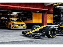 Nya Megane R.S. Trophy i F1-depån
