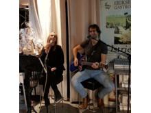 Musikunderhållning av Raiko och Maria- Akustisk duo.