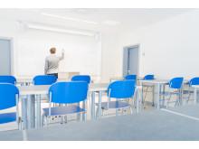 Klassrum med ljudabsorberande möbler