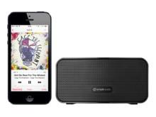 Simple Audio Go med indbygget genopladeligt batteri gør det muligt at skippe ledningerne og benytte højttaleren overalt - indendørs såvel som udendørs.