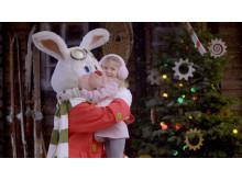 Den vita kaninen Julius hälsar på i Kaninlandet