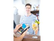 Kontaktloses Bezahlen mit V PAY - in der Strandbar