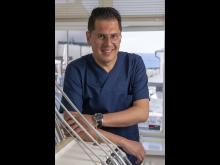 Michael Katsanikos, tandläkare och verksamhetschef på PTJ Dental Adelsgatan i Visby