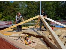 Första etappen är avslutad - taket på Gunnebo orangeri är på plats!