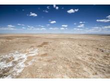 Et knusktørt landskap strekker seg over Marsabit-slettene