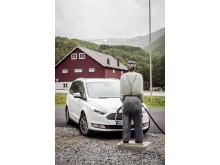 Endelig er nye Galaxy på plass i Norge - nå også med AWD