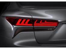 Lexus  presenterar den femte generationen av flaggskeppsmodellen LS