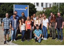 Print-Bild: Auf der Startbahn ins Berufleben: Schmetterling begrüßt 16 neue Auszubildende in Geschwand