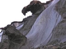Eroderande kustnära permafrost från Laptevhavet.