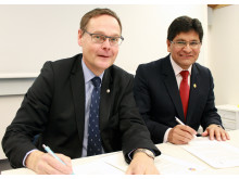 Johan Sterte, rektor vid Luleå tekniska universitet och Dr. Rohel Sánchez Sánchez, rektor vid Universidad Nacional San Augustin (UNSA), Arequipa i Peru.