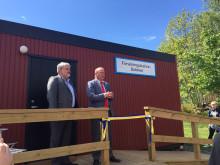 Håkan Fäldt, Sydvattens ordf, med Eskil Erlandsson (C) riksdagsledamot vid invigning av Forskningsstation Bolmen.