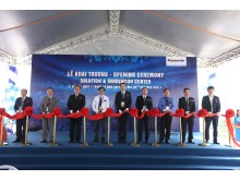Le cat bang khanh thanh trung tam trung bay Panasonic Solution and Innovation Center Vietnam