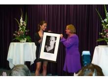 Alicia Vikander tar emot Såstaholms pris till Höstsols minne 2012