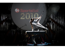 SportsAid alumnus Lewis Smith MBE performing live at the SportsBall in 2010