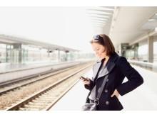 Presentation-Travel - Using Smartphone at Railway Station