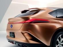 I proportionerna har LF-1 Limitless formerna snarare av en klassisk GT-bil än av en kombi.