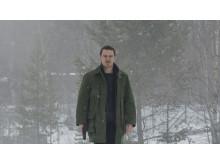 Jo Nesbøs bestseller thriller, Snemanden, handler om Harry Hole (Michael Fassbender), der jagter en seriemorder.