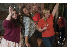 Amy Schumer partajar loss med väninnorna i  komedin I Feel Pretty.