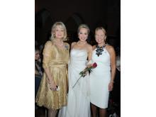 Alexandra Charles med den norska operasångerskan Gro Elisabet Sille och ambassadören Gerd Kaos från Norge.