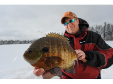 High res image - Raymarine - Ice Fishing Lifestyle