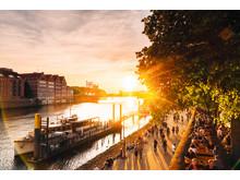 Bremen: Weserpromenade Schlachte i solnedgangen