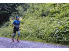 Japanen Koto Araki springer sin sträcka i Outrun the Sun