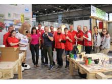 Toom Baumarkt unterstützt Bärenherz: Engagierter Einsatz auf der Messe Haus-Garten-Freizeit