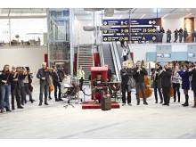 Göteborgs Symfoniker flashmob Landvetter 11 dec 2013c