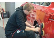 När det är många bilar som ska rekondas är det bra med lättarbetade och effektiva produkter, vilket Würth erbjuder.