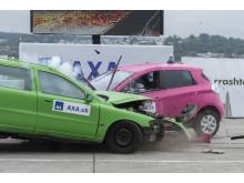 1° crash test: potente e veloce – la collisione frontale (1/2)
