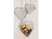 Hjärtan av hönsnät set om 3 st hängande med kastanjer