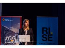 Malou Petersson från RISE ETC berättade om forskningen på dubbelsidiga paneler i kallt klimat