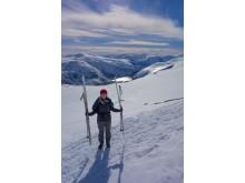 Mit Skiern oder Schneeschuhen geht es im Winter zur 'Trollzunge'