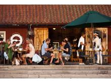 Mat från havet och kolgrillen på Sjöbodens brygga