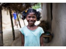 Joshna, 10 år, i byn Goyerpur, Bangladesh, drömmar om att bli läkare. Men först behöver hon få gå i skola på sitt eget språk. Foto Annelie Edsmyr_low