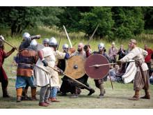 Pressbild - Vikingakamp på Birka Vikingastaden