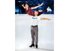 Sarah Lombardi und Joti Polizoakis trainieren neue Figuren für Showauftritte bei HOLIDAY ON ICE
