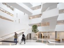 Center for Sundhed Holstebro, Atrium og trappe