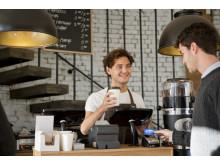 Platit kartou za kávu? Není problém, stačí pípnout
