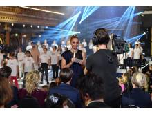 Carina Berg under måndagskvällens direktsända Barncancergalan - Det svenska humorpriset i Kanal 5. Foto: Karin Törnblom/IBL