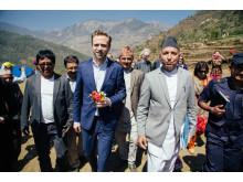 Ledelsen i CWIN - Utviklingsminister Nikolai Astrup åpnet Shree Devitar Basic School i Dolakha i Nepal