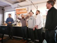 Mattias Gyllenhaak Liss sträcker checken med 500.000 kronor i luften
