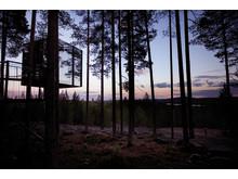 Norrland Foto Tree Hotel  mirror_cube_exterior_dusk